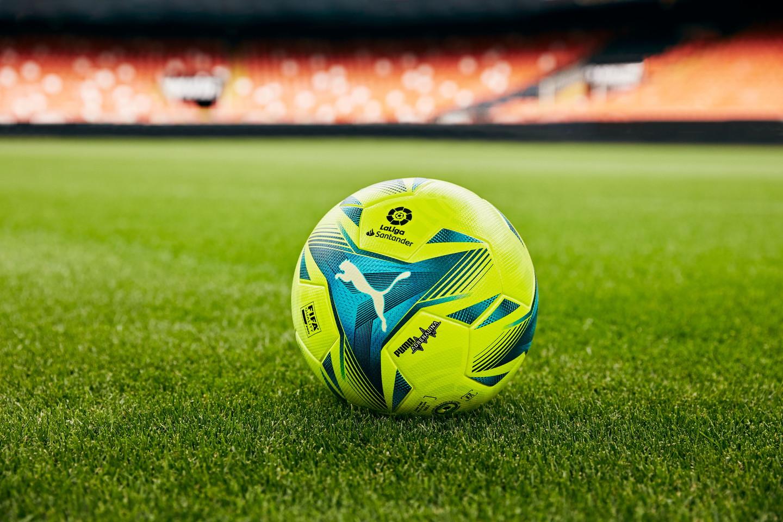 PUMA e LaLiga hanno presentato il secondo pallone ufficiale realizzato per la stagione 2021/22 della massima serie calcistica spagnola: l&#39;ADRENALINA. Il pallone ADRENALINA &egrave; stato realizzato per gli &#39;special games&#39; come El Cl&aacute;sico e i derby, i match con la posta in gioco pi&ugrave; alta. La palla &egrave; il cuore de LaLiga, il battito che trasforma il gioco in qualcosa di speciale, producendo adrenalina che scorre attraverso i giocatori e i tifosi<br /><br />