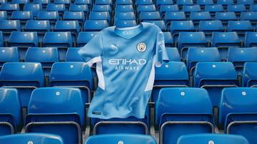 PUMA ha presentato il nuovo Home kit del Manchester City ispirato all&#39;iconico goal segnato al minuto 93:20 dell&#39;incredibile stagione 2011/12 che ha regalato uno dei momenti pi&ugrave; belli della storia della Premier League e del Manchester City.&nbsp;<br /> Il ricordo della leggendaria stagione 93:20 riecheggia attraverso il nuovo Home kit con un&#39;impressionante grafica all-over che riproduce un orologio digitale che rende omaggio alla straordinaria generazione di giocatori e al goal dell&#39;ultimo minuto che ha sigillato il campionato con un finale che nessun tifoso di calcio avrebbe potuto prevedere. La maglia Home &egrave; completata da shorts&nbsp;sky blue&nbsp;e calze per completare il look.<br /><br />