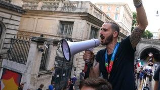 """Bonucci e il pullman scoperto: """"Molto italiano scaricare le colpe"""""""