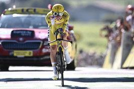 Tour de France: Van Aert si prende la crono, Pogacar ipoteca la vittoria
