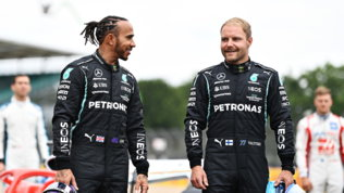 """Bottas: """"Siamo partiti bene"""". Hamilton: """"Che caldo, le gomme si sciolgono"""""""