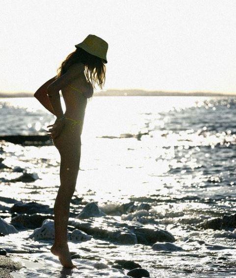 Francesca Sofia Novello, fidanzata di Valentino Rossi, risponde su Instagram ad alcune domande dei follower, una in particolare sulla relazione col Dottore. &quot;Non hai paura di pentirti&nbsp;del tatuaggio col numero 46?&quot;, la risposta &egrave; secca: &quot;no&quot;, accompagnato&nbsp;dall&#39;emoticon con gli occhi a forma di cuore.&nbsp;<br /><br />