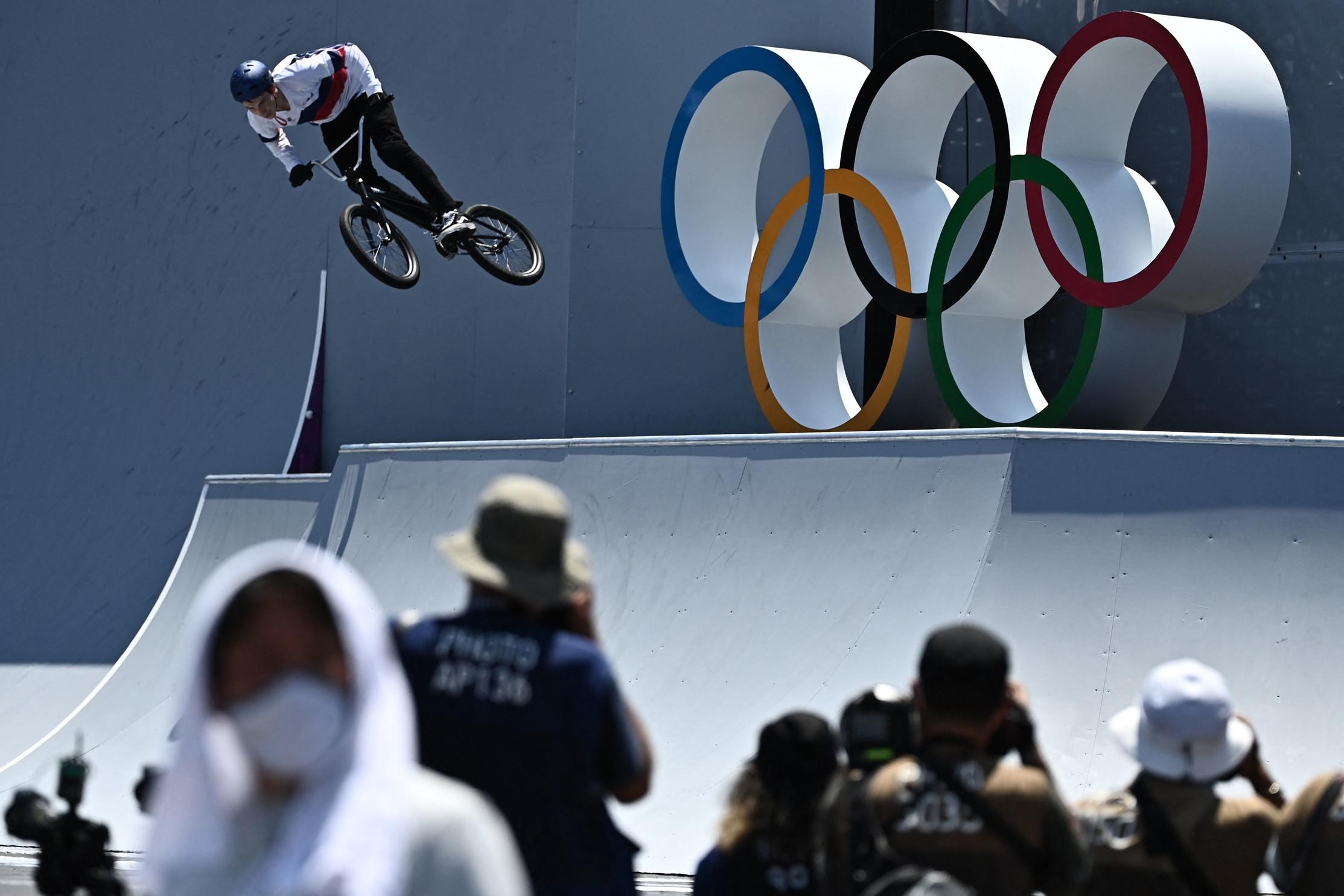 A Tokyo 2020 ha fatto il suo debutto olimpico anche la specialit&agrave; del freestyle per la Bmx. Ed &egrave; stato subito grande spettacolo. Le prime medaglie d&#39;oro sono andate alla britannica Charlotte Worthimgton tra le donne e all&#39;australiano Logan Martin tra gli uomini.<br /><br />