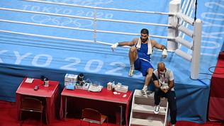 """""""Squalifica ingiusta"""": Alievsi siede sul ring e non si muove per mezz'ora"""
