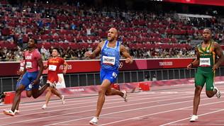 Jacobs vince i 100 metri olimpici: le foto della cavalcata