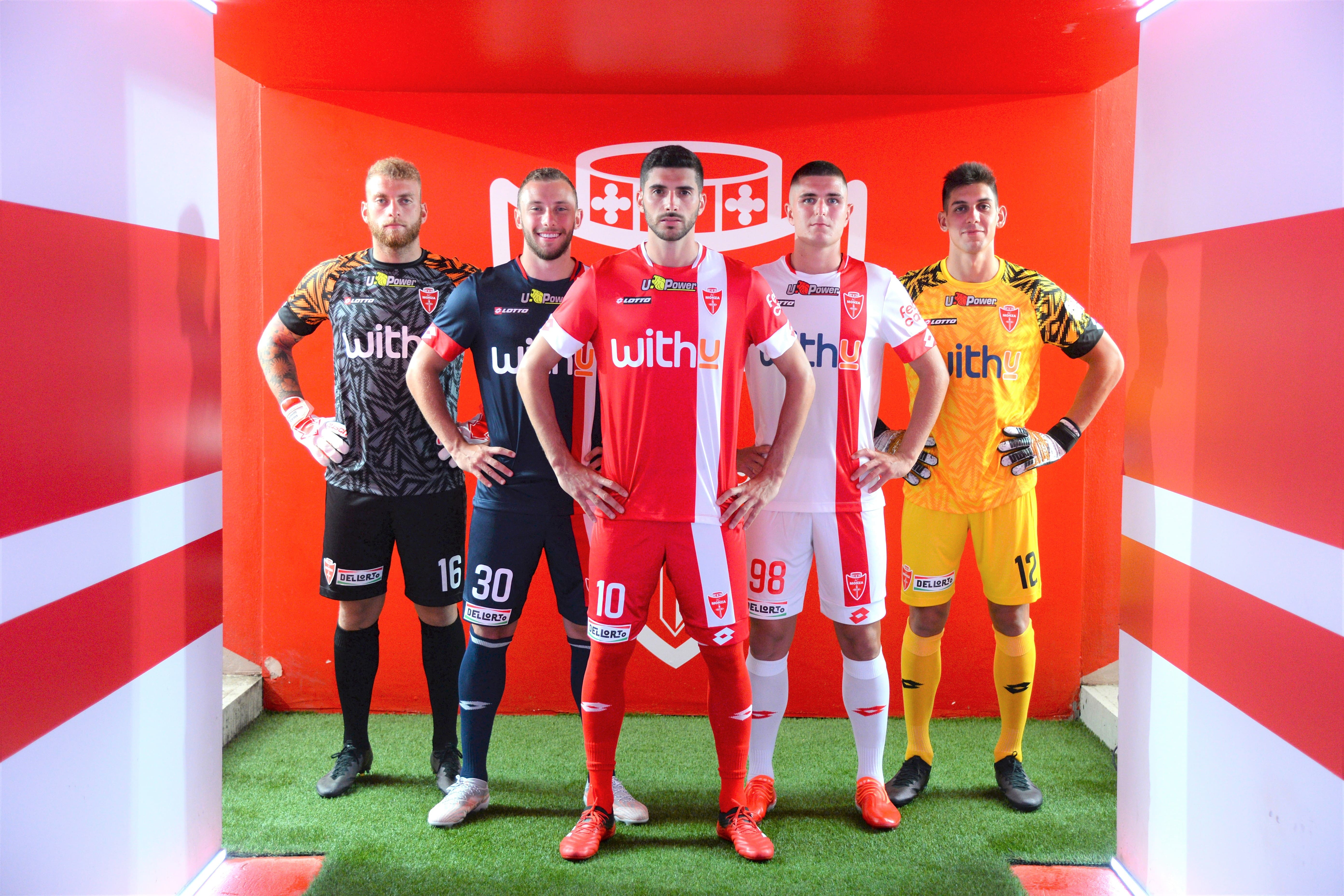 Continua per la terza stagione la partnership tra&nbsp;AC Monza&nbsp;e&nbsp;Lotto Sport Italia, che hanno svelato le divise da gioco 2021/2022<br /><br />  &nbsp;<br /><br />