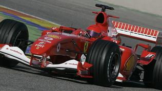 Rossi e le quattro ruote: tra rally e Formula 1 con Ferrari e Mercedes