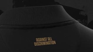 La terza maglia del Parma ètotal black contro la discriminazione