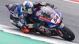 Razgatlioglu beffa la Ducati in gara-1 e si fa sotto a Rea, a terra due volte