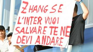 """A Parma cori e striscioni, la Curva contro Zhang: """"Vendi l'Inter"""""""