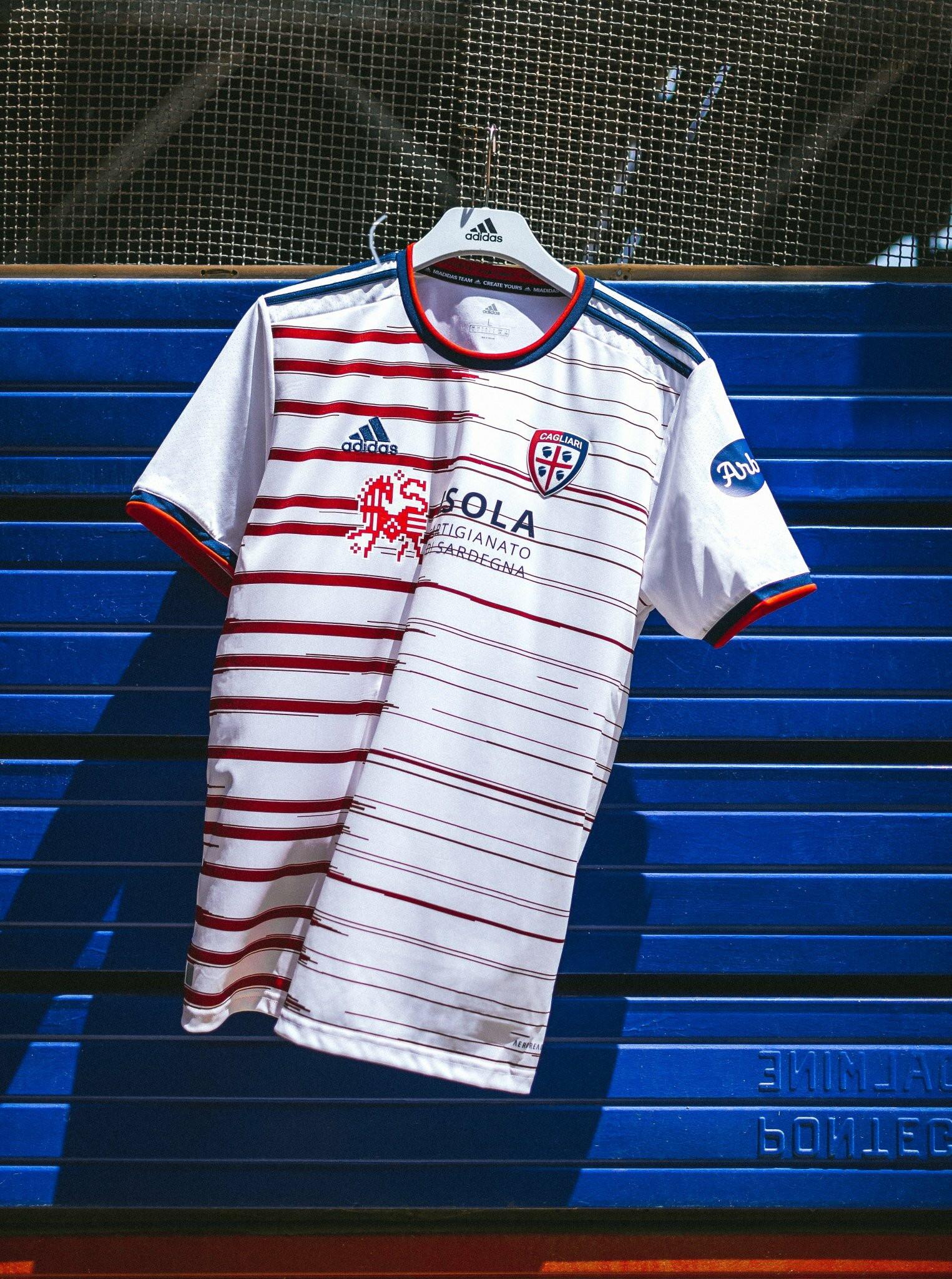 Cagliari: seconda maglia