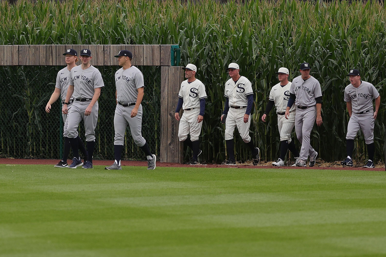 """<p style=""""text-align: justify;"""">Stanotte la MLB ha fatto disputare la sfida di regular season tra New York Yankees e Chicago White Sox in Iowa,&nbsp;nel diamante reso celebre dal film con Kevin Costner&nbsp;(presente in tribuna) &ldquo;Field of Dreams&rdquo;, una vera e propria icona per la cinematografia sportiva. Tra fuoricampo direttamente nel granturco e scorci mozzafiato nei campi di Dyersville davanti a 6mila spettatori, i White Sox si sono imposti 9-8 nel finale.<br /><br />"""