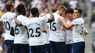 Son porta il Tottenham solo in vetta | Lo United senza CR7 passo con i Wolves