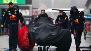 GP del Belgio: la pioggia rinvia la partenza di oltre tre ore