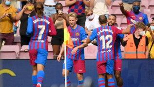 Barça, tre punti senza brillare. L'Atletico si salva al 94' su autogol