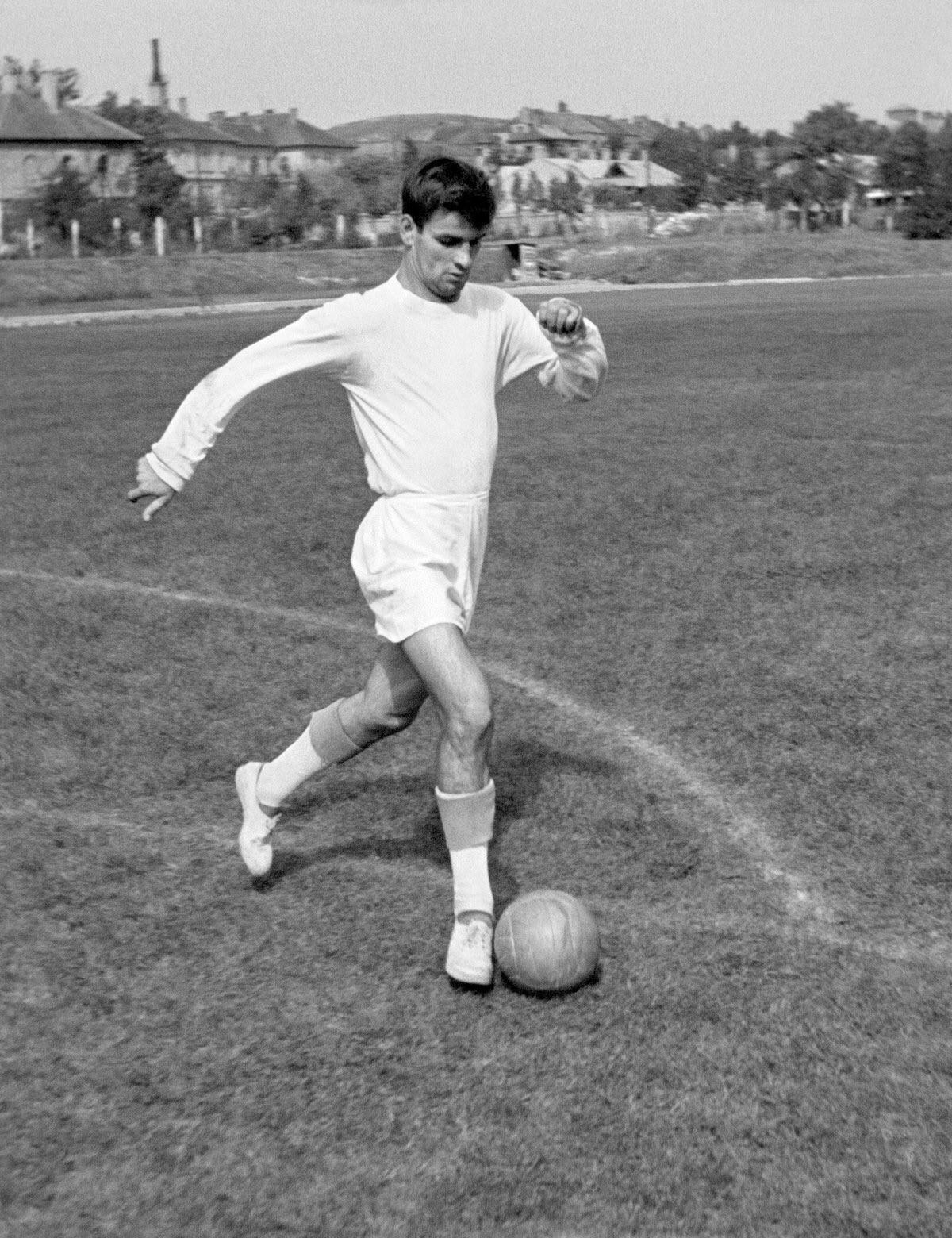 <p>8) Sandor Kocsic (Ungheria): 75 gol</p>