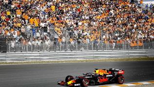 """Verstappen: """"Pista divertente, dobbiamo migliorare"""". Hamilton  sdrammatizza"""