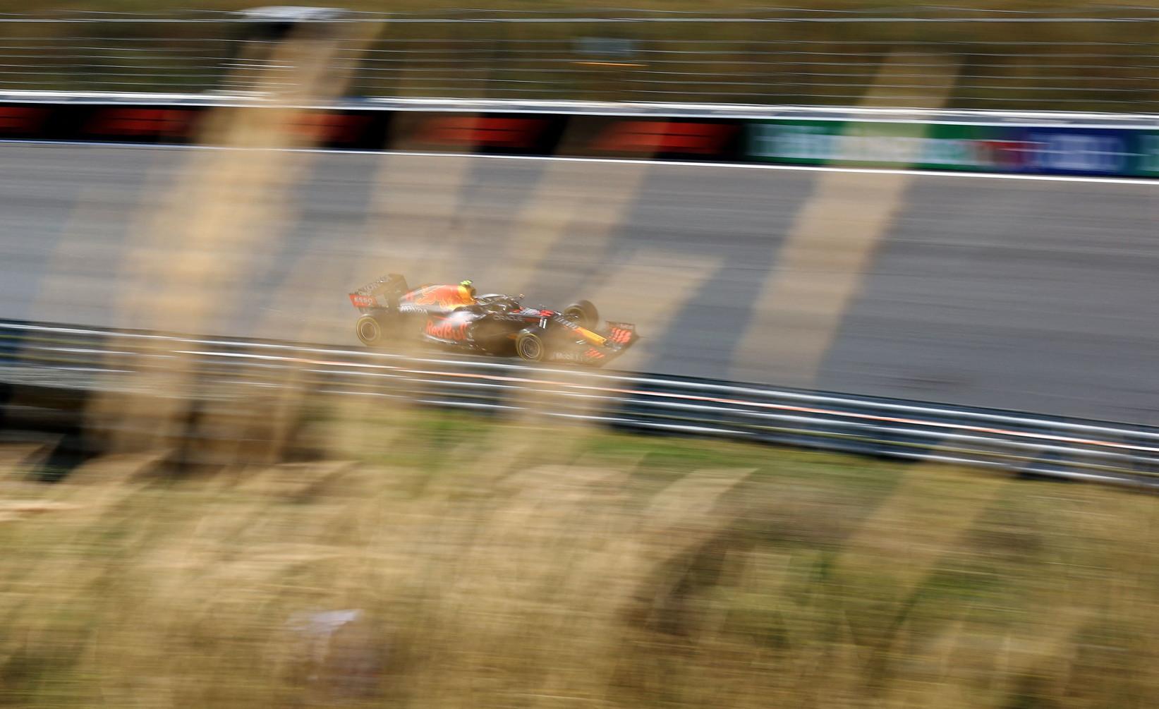 Max Verstappen &egrave; il poleman del GP d&#39;Olanda a Zandvoort, pista tornata in calendario dopo 36 lunghi anni di assenza.<br /><br />