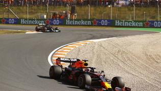 "Verstappen: ""Incredibile vincere qui"". Hamilton: ""Gara dura, Max super"""
