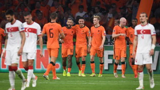 Olanda a valanga sulla Turchia, Griezmann trascina la Francia. Portogallo ok senza CR7