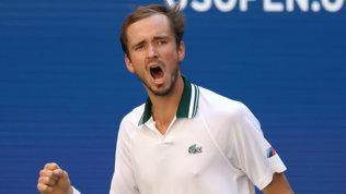 Medvedev supera anche Van De Zandschulp e vola in semifinale
