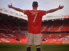 """Cristiano Ronaldo riassapora l'Old Trafford: """"Sono a casa"""""""