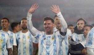 Notte da leggenda per Messi: con una tripletta con l'Argentina supera anche Pelè