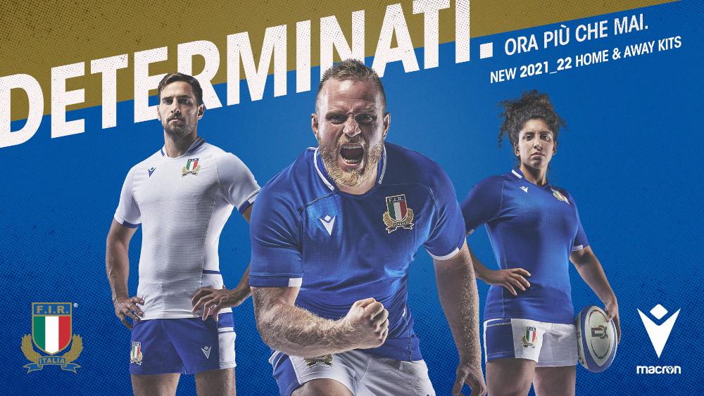 In questa estate 2021 l&rsquo;azzurro Italia &egrave; un colore decisamente vincente e azzurro Italia &egrave; il colore della&nbsp;nuova maglia&nbsp;&lsquo;Home&rsquo;, insieme al bianco della&nbsp;nuova &lsquo;Away&rsquo;, che la&nbsp;Federazione Italiana Rugby&nbsp;e&nbsp;Macron,&nbsp;the Hero company, hanno presentato e che tutte le Nazionali maschili e femminili indosseranno nel corso dei rispettivi impegni internazionali nel corso della stagione 2021-2022. Maglie che insieme ai tradizionali colori che rappresentano il nostro rugby nel mondo, hanno, nell&rsquo;anima, il &lsquo;green&rsquo; della sostenibilit&agrave; e del rispetto per l&rsquo;ambiente.<br /> <br /> I kit gara degli azzurri sono infatti realizzati con tessuto&nbsp;Eco-Fabric, poliestere 100%&nbsp;proveniente da plastica riciclata e certificato dal&nbsp;Global&nbsp;Recycled&nbsp;Standard. Macron&nbsp;crede fortemente nella sostenibilit&agrave; dimostrando la propria&nbsp;green&nbsp;attitude&nbsp;e&nbsp;applicando alla propria produzione scelte tecnologiche di alto profilo e nel rispetto e protezione dell&rsquo;ambiente. Scelte condivise e fatte proprie anche dalla Federazione Italiana Rugby.<br /> <br /> La nuova &lsquo;Home&rsquo; si conferma nel tradizionale&nbsp;azzurro Italia&nbsp;e ha il collo a V con bordo bianco. Il backneck &egrave; personalizzato con lo stemma della F.I.R. Dettagli bianchi sono presenti anche sui bordi manica e negli inserti sui fianchi. Sul petto a destra &egrave; applicato in bianco il&nbsp;Macron Hero, logo del brand italiano, a sinistra, lato cuore lo stemma della&nbsp;Federazione Italiana Rugby. Nel retrocollo &egrave; stampata, tono su tono, la scritta ITALIA sotto alla quale &egrave; posta la bandiera italiana. La caratteristica che contraddistingue il nuovo kit casalingo &egrave; il disegno tono su tono ad effetto pixelato e sfumato in grafica sublimatica presente sul corpo anteriore della maglia. I pantaloncini sono bianchi con bande azzurre sui fianchi. I calze