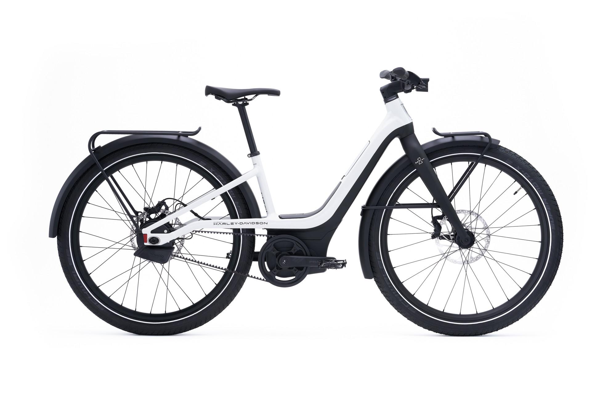 A inizio agosto&nbsp;la&nbsp;gamma di biciclette elettriche Serial 1&nbsp;Cycle Company&nbsp;- il marchio e-bike creato in collaborazione con il produttore americano di motociclette&nbsp;Harley-Davidson, Inc. - &egrave; sbarcata nelle concessionarie di motociclette italiane con tre modelli di e-bike:&nbsp;MOSH/CTY, RUSH/CTY e RUSH/CTY Step-Thru,&nbsp;mezzi di alta qualit&agrave;, che si distinguono per il loro design intelligente e funzionale e per l&rsquo;avanzata tecnologia, proponendosi come soluzione perfetta sia per gli spostamenti urbani sia per il tempo libero.<br /><br />
