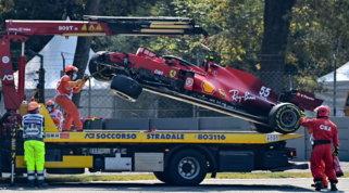 Sainz, che botto all'Ascari! Ferrari distrutta, riparazione da record