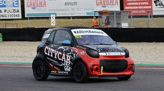 Savoia firma la pole position a Varano. Salvadori parte 12°