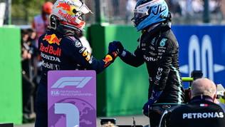 """Bottas: """"Quanto tempo... Ora devo rimontare"""". Verstappen: """"Sarà battaglia"""""""