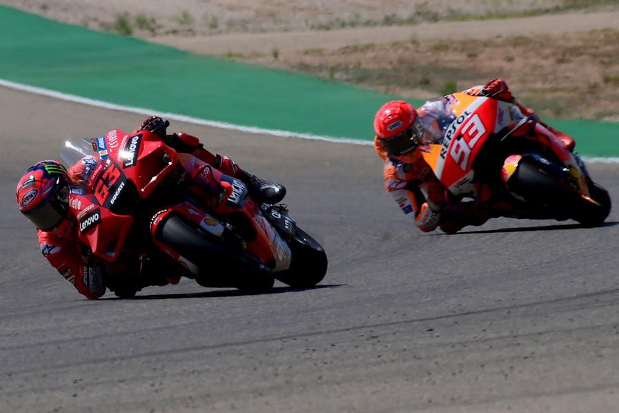 Prima vittoria in MotoGP per il pilota piemontese che taglia il traguardo davanti a Marc Marquez e Joan Mir.<br /><br />