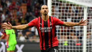 Leao vola, Ibraruggisce: il Milan travolge la Lazio e vola in vetta