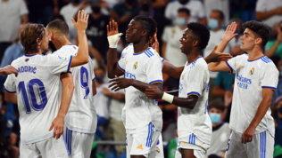 Manita del Real Madrid al Celta Vigo. Atletico, pazza vittoria al 99'
