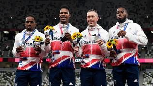 Staffetta 4x100, ora è ufficiale: tolto l'argento alla Gran Bretagna