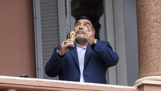 """Maradona""""rivive"""" sui social: i figli manterranno attivi i profili"""
