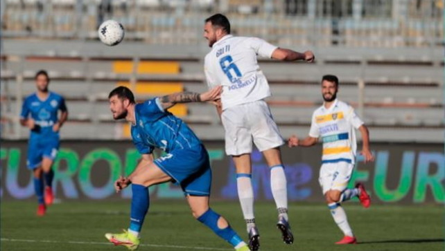 Al Frosinone basta mezz'ora: Como sbancato   Brescia-Crotone LIVE