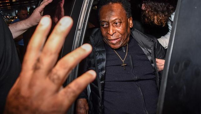 Ancora in ansia per Pelé: O Rei ricoverato in terapia intensiva