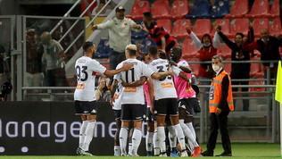 Il Genoa rincorre e riprende due volte il Bologna: al Dall'Ara è 2-2