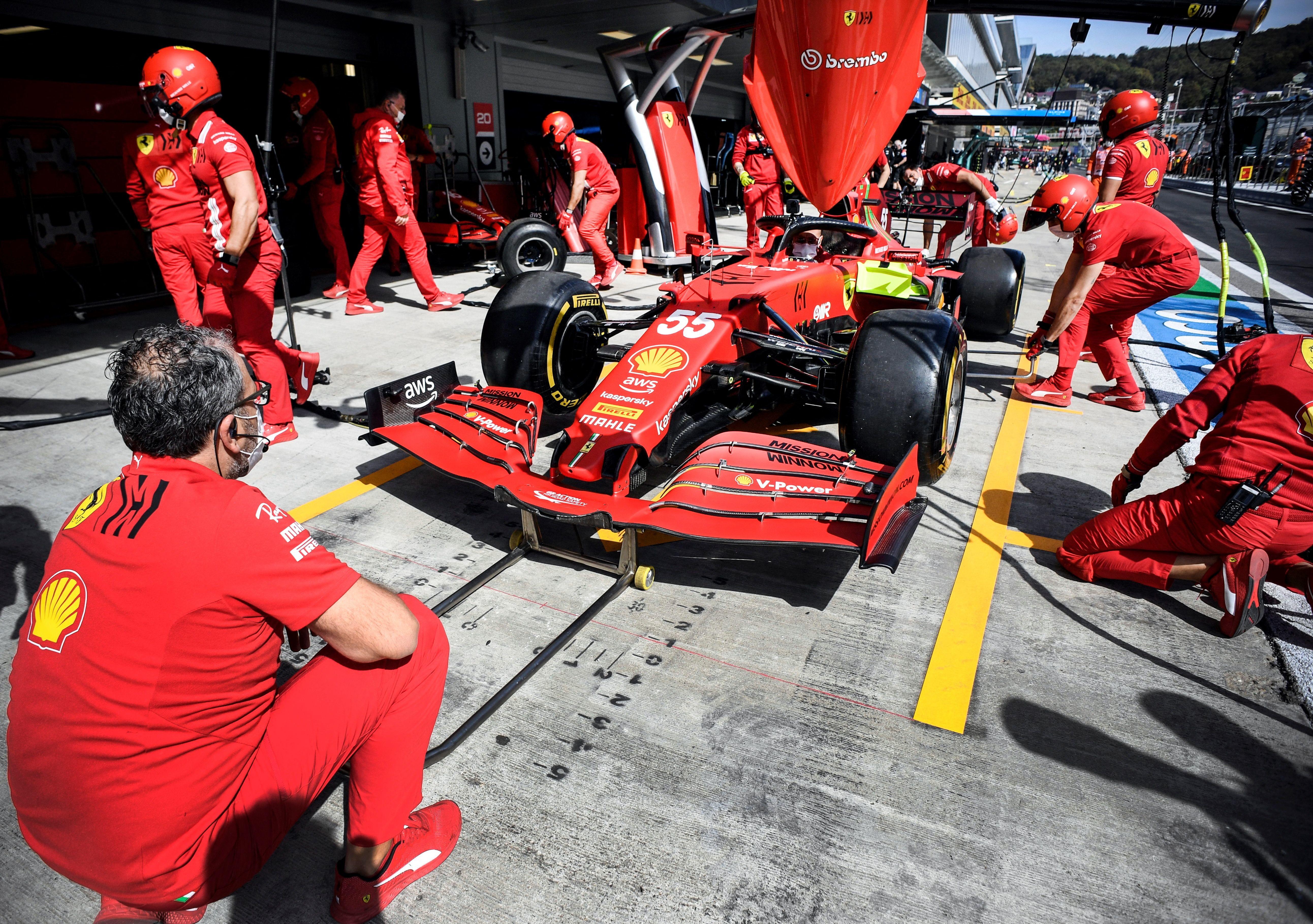 Il duello per il titolo mondiale di Formula Uno fa tappa in Russia, chi avr&agrave; la meglio? Verstappen partir&agrave; dal fondo della griglia (cambio power unit), Hamilton prover&agrave; ad approfittarne<br /><br />