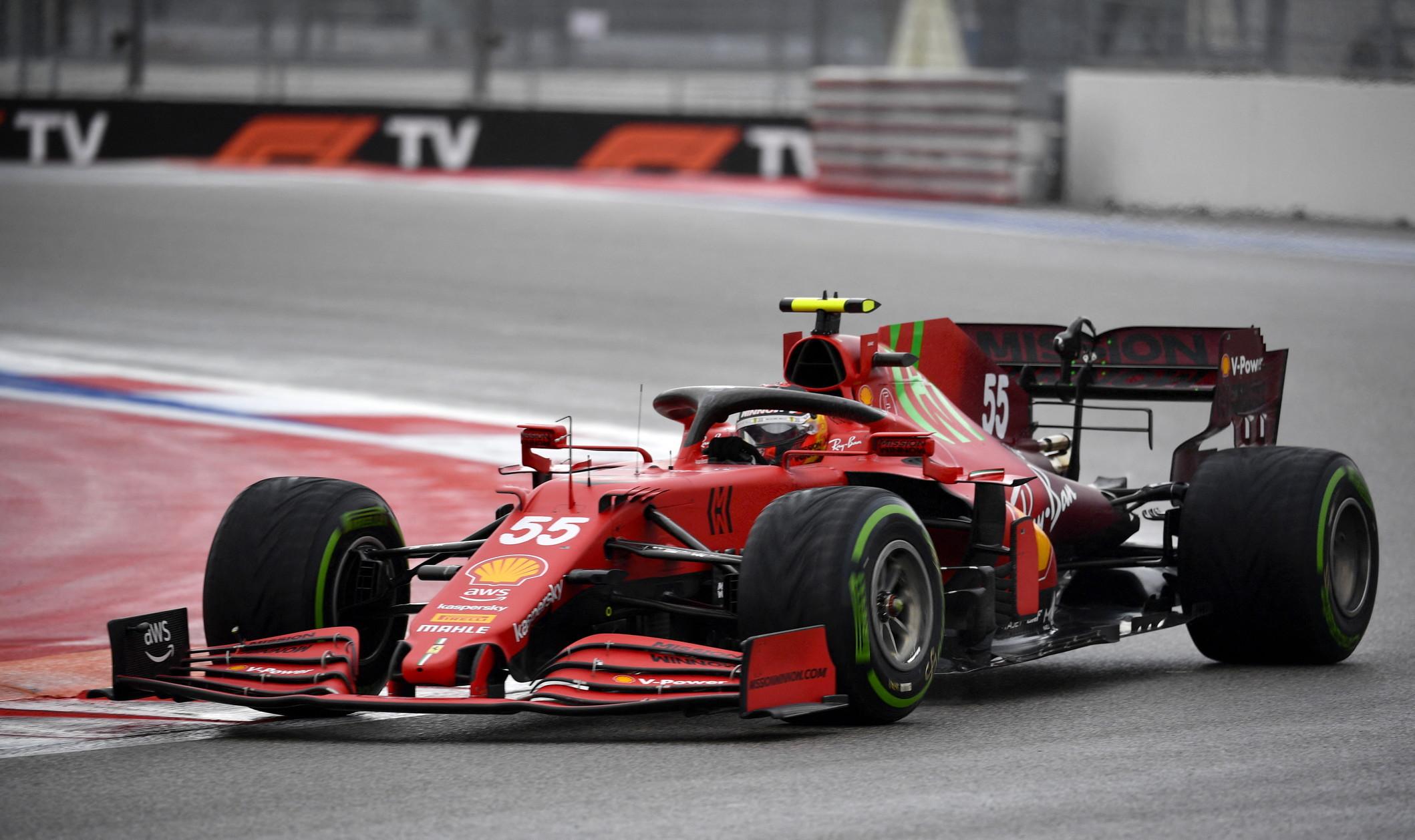 Prima pole in carriera in F1 per il britannico davanti a Sainz e al connazionale Russell<br /><br />