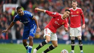 United fermato in casadall'Everton, il Chelsea vola in vetta