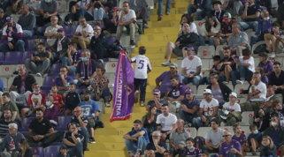Fiorentina, immagini del Franchi alla Questura | Aperta indagine Figc