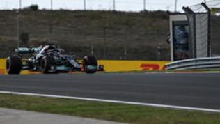 """Hamilton: """"Abbiamo dati per migliorarci"""". Max: """"Non è andata come doveva"""""""