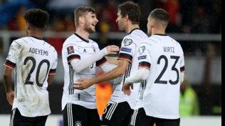 La Germania stacca il pass per il Qatar  Olanda show, guai Croazia