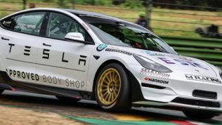 Formula Tesla: prestazioni e sostenibilità nelle E-STC Series