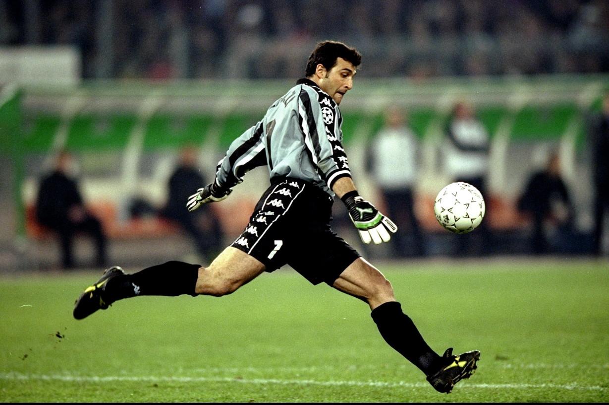 Angelo Peruzzi (1987-89 e 1990-91 Roma, 1991-99 Juventus)