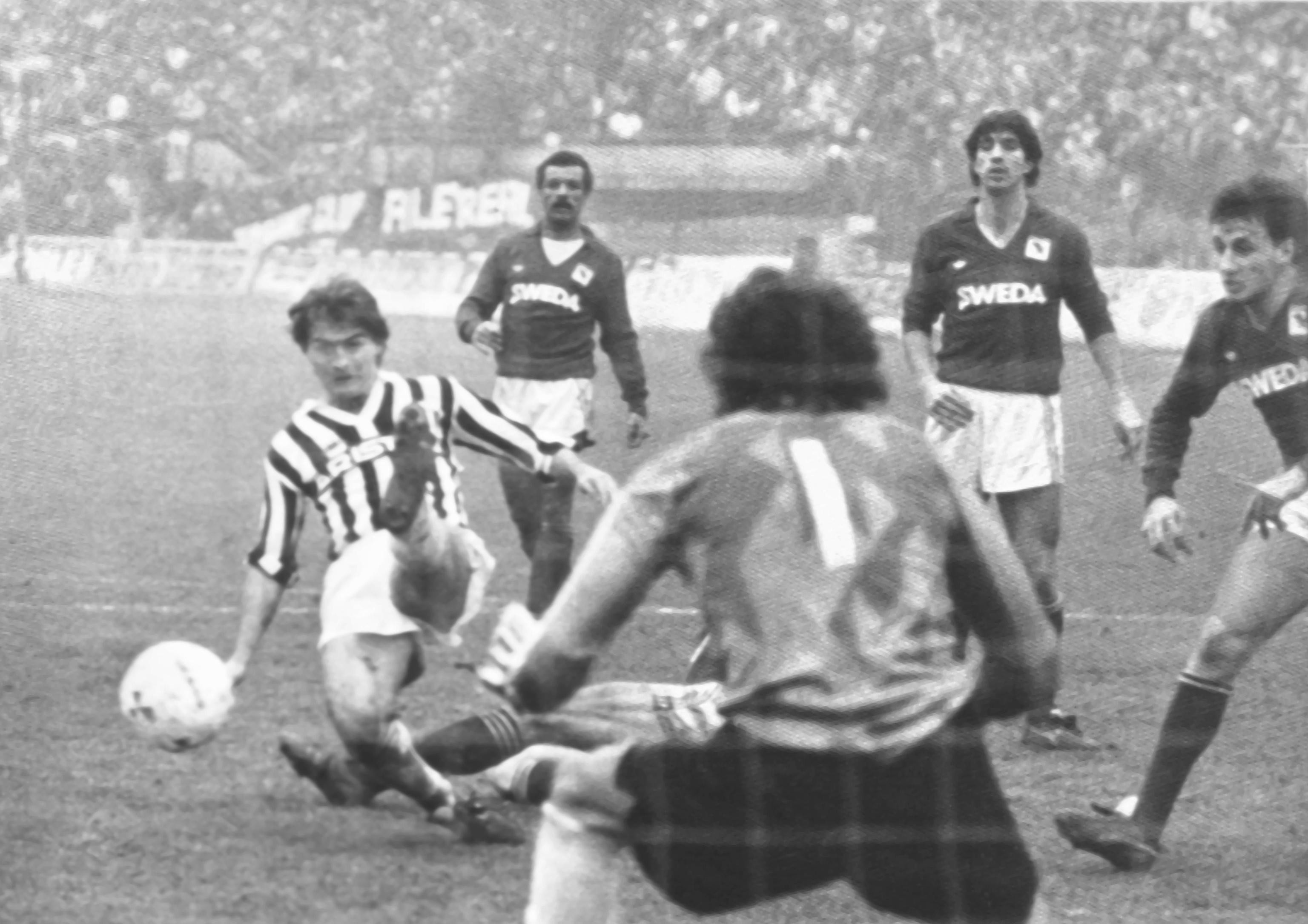 Lionello Manfredonia (1985-87 Juventus, 1987-90 Roma)