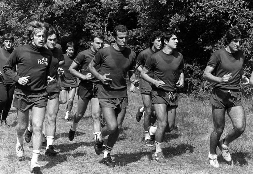 Luciano Spinosi (secondo da destra: 1967-70 e 1978-82 Roma, 1970-78 Juventus))